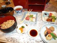 金沢の郷土料理で昼食