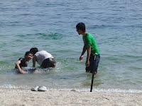 琵琶湖の水泳場ではしゃぐ!
